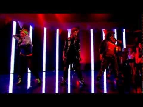 Justin Bieber - Boyfriend (Live Alan Carr's Summertime Specstacular)