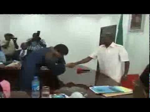 Gov. Oshiomhole Swears in PS for Internal Revenue Services