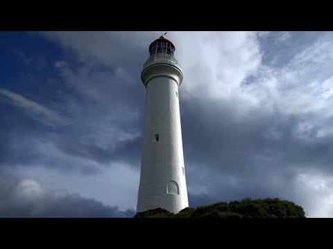 Visiting Split Point Lighthouse on the Great Ocean Road (Aireys Inlet, Australia) - aireys-inlet