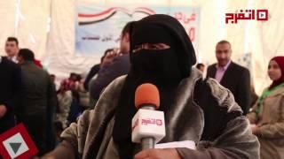 اتفرج| امرأة منتقبة ترد على «داعش» بقصيدة حكم العسكر