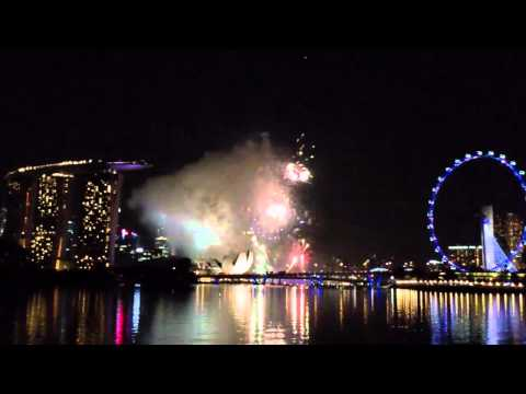 2012 New Year Countdown - Singapore (Bay East by the Waterfront)