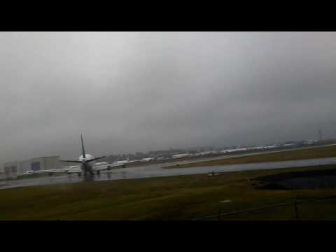 DreamLifter Takeoff @ Paine Field