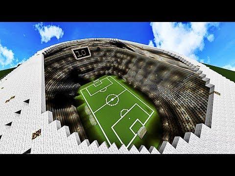 CRÉONS LE MEILLEUR STADE DE FOOTBALL DU MONDE ! | Build Battle