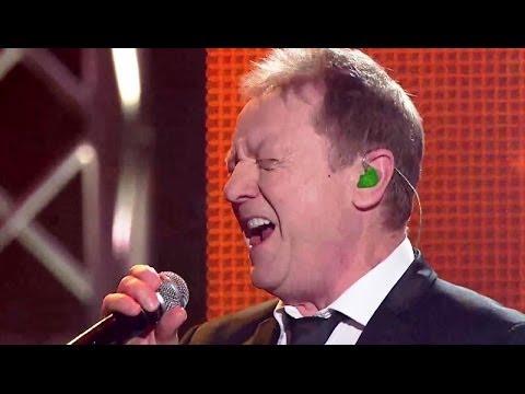 "The Voice of Poland IV - Mateusz Ziółko i John Miles - ""When a man loves a woman"""