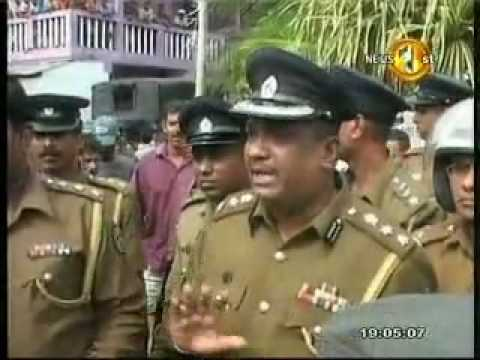 Sri Lanka Police Vs People - Near Colombo