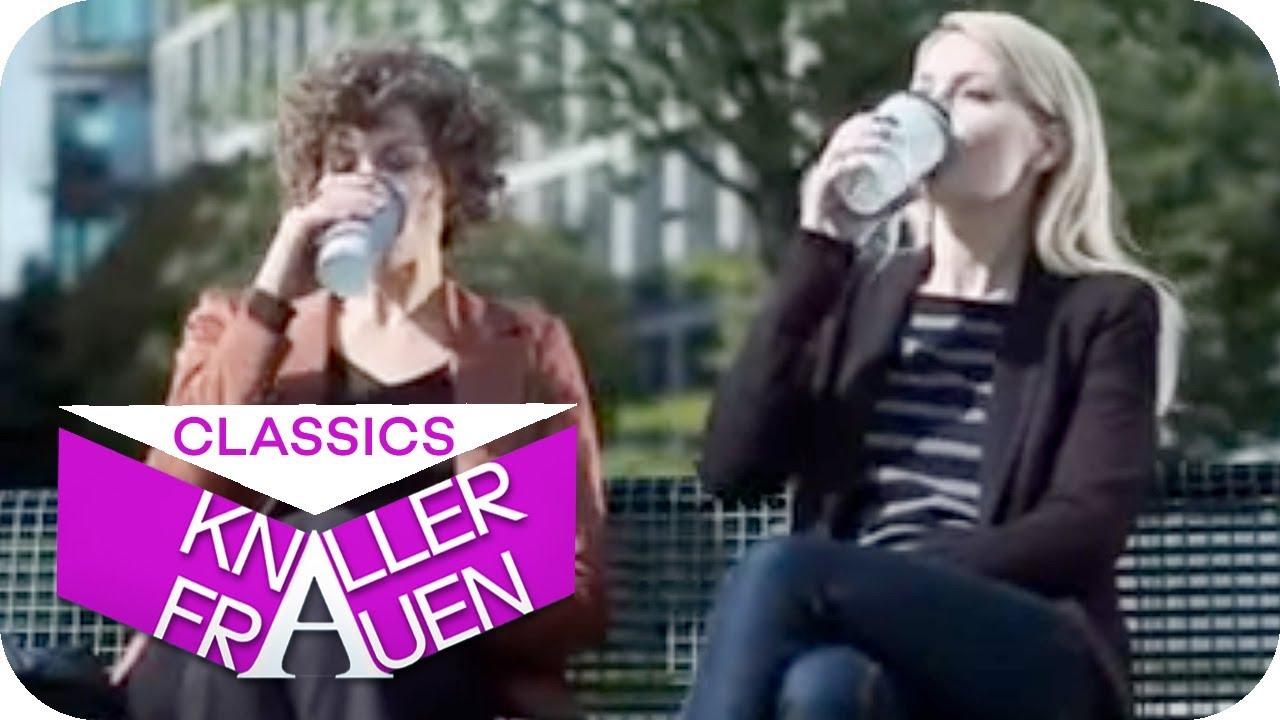 Zuckerschock: So macht der Kaffee gleich doppelt wach! [subtitled] | Knallerfrauen mit Martina Hill