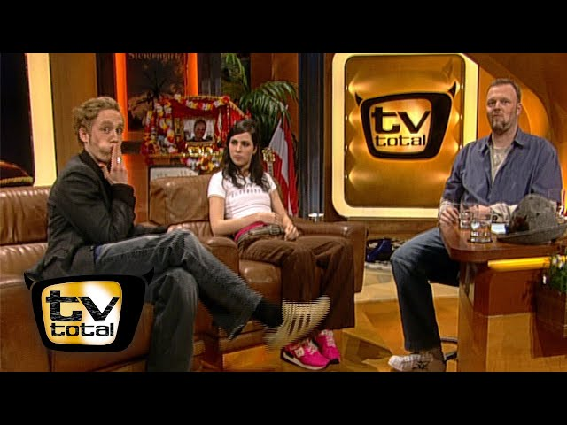 Nora Tschirners und Matthias Schweighöfers gemeinsame Bettszenen - TV total