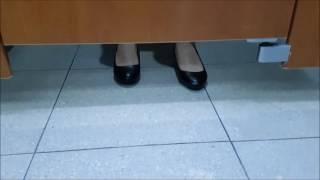 여자화장실에서 신음소리가....
