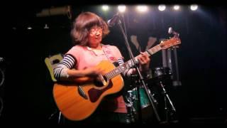 福岡でご活躍のシンガーソングライターあべこさんのライブ映像です。 20...