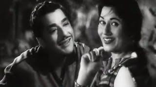 Saaz-E-Dil Chhed De - Best Classic Romantic Song - Pradeep Kumar & Madhubala - Passport