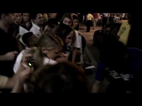 Anoop Desai, American Idol Finalist in 2009, meets fans in Baltimore
