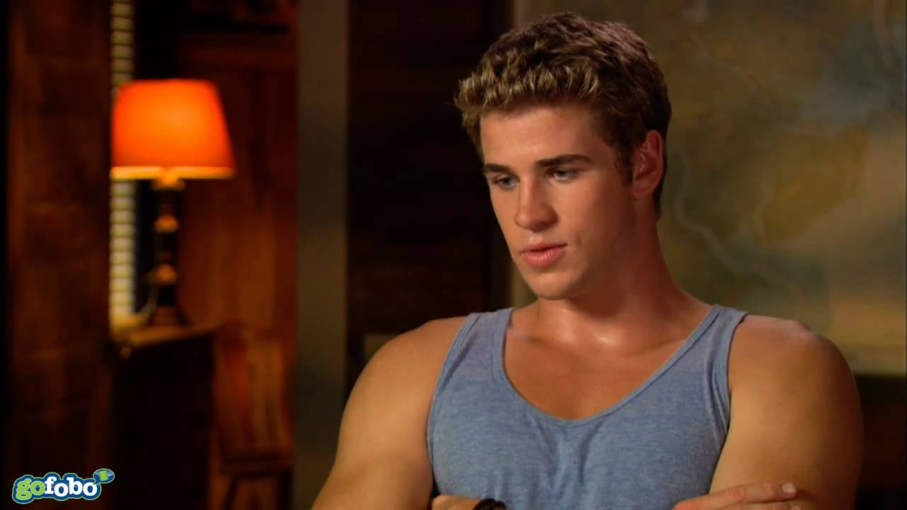 Liam Hemsworth Interview - The Last Song - YouTube