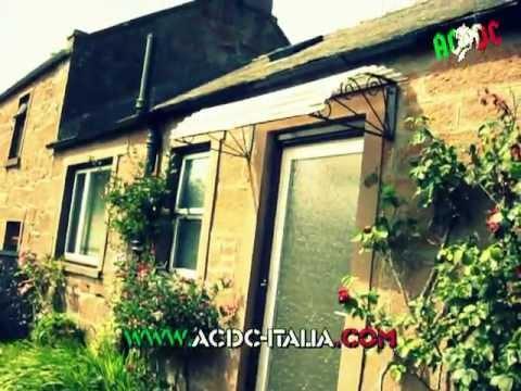 AC/DC Italia goes to Kirriemuir @ Bon's home