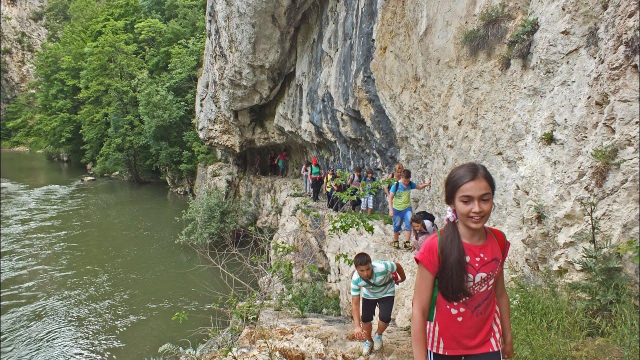Drumetie in Cheile Nerei: La Tunele - Cascada La Vaioaga ...   Cheile Nerei