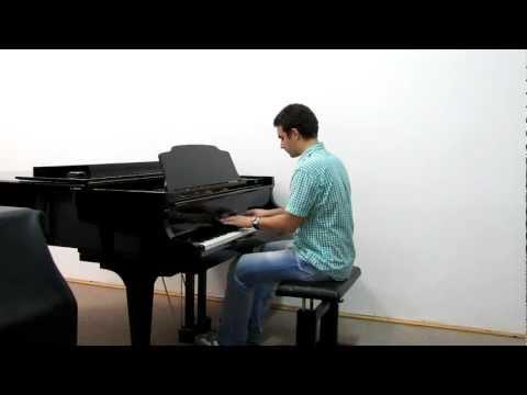 Dexter's Laboratory theme on piano