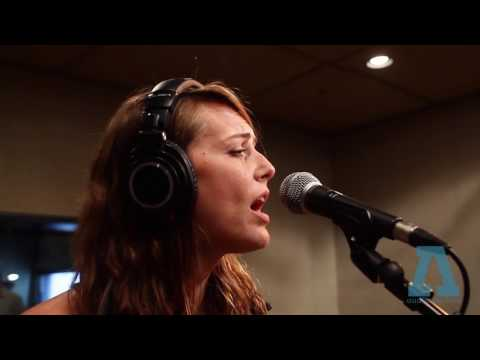 he's-my-brother,-she's-my-sister-on-audiotree-live-(full-session)