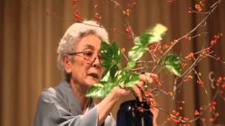 Reiko Kawamura, a Grand Master of the Ohara School of Ikebana from California