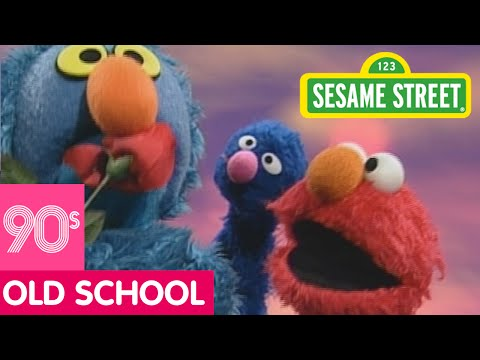 Sesame Street: Elmo And Grover Sing Red & Blue