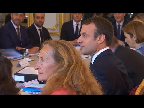 French government, employers and unions begin final discussions on labour reforms