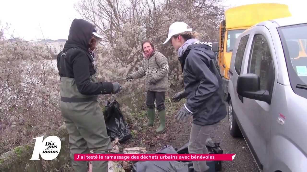 Ramassage bénévole de déchets en bord de Seine