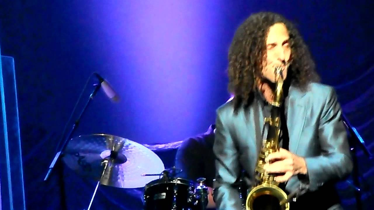 Kenny G - Santa Claus Is Coming To Town Smooth Jazz - YouTube