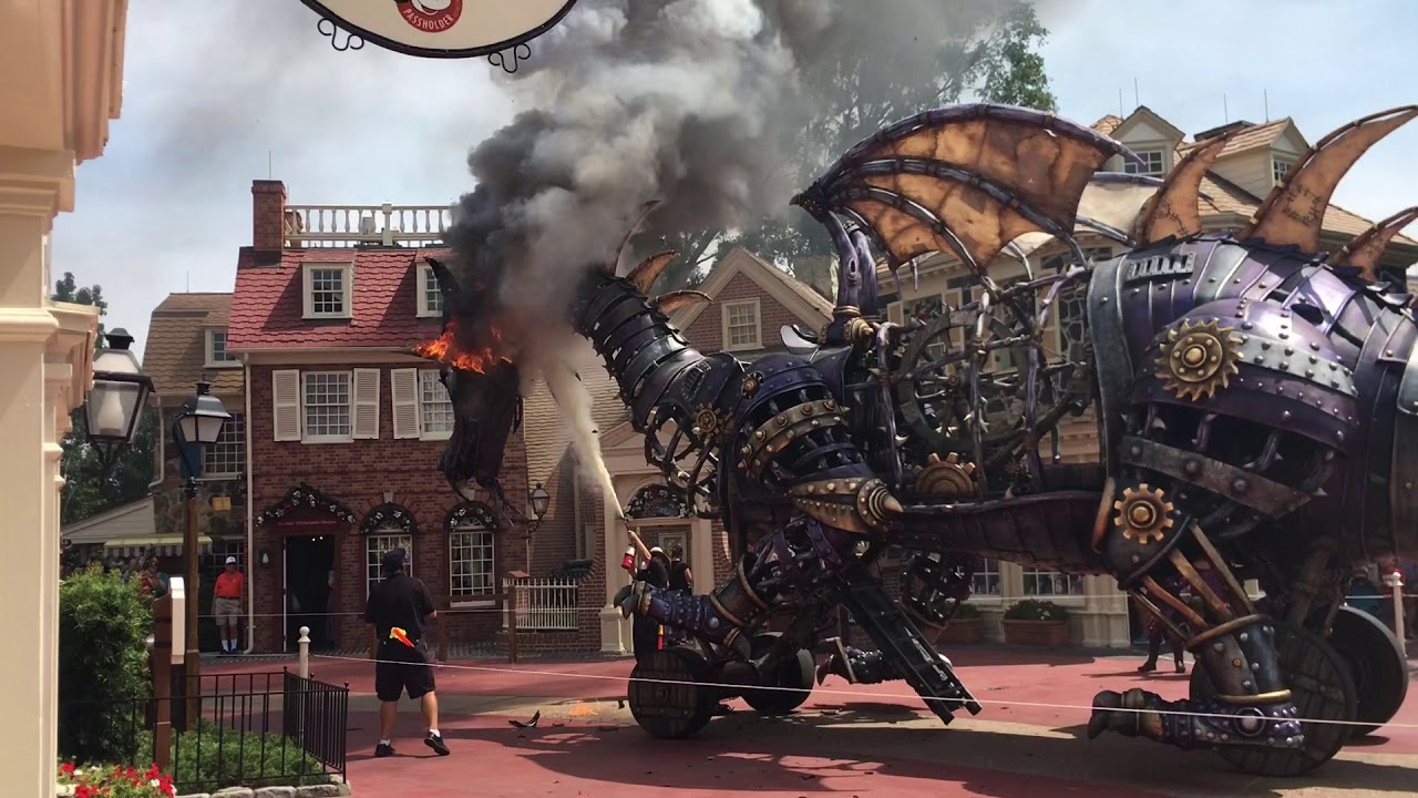 WDW Dragon catches on fire [ORIGINAL UPLOAD]