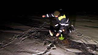 Зимняя рыбалка на незнакомом озере жерлицы окунь щука судак плотва Рыбу нашли