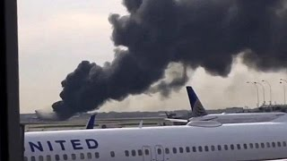 Dramatic scenes as plane engine catches fire in the US - world