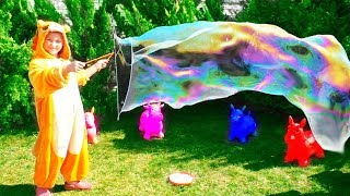 Kids playing with bubbles Video for kids