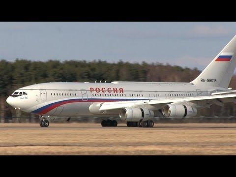 2x Ilyushin Il-96 landing with President Putin at Hannover (RA-96016 & RA-96017)