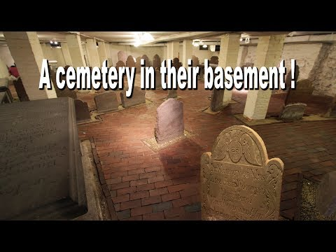 Renee - New Haven, CT: Exploring A New Haven Crypt!! SO COOL!!!