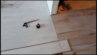 видео Стыковка ламината и плитки