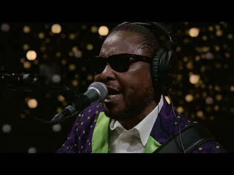 Amadou & Mariam - Beaux Dimanches (Live on KEXP)