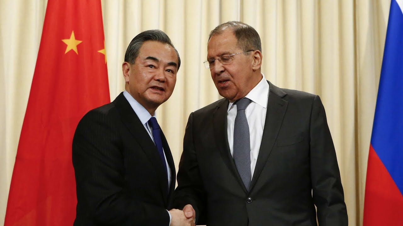 Chinese FM Wang Yi meets his Russian counterpart Lavrov - YouTube