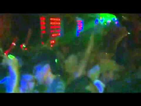 Disaat Aku Mencintaimu Remix 2013