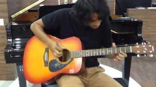A superb Guitarist with Yamaha F310