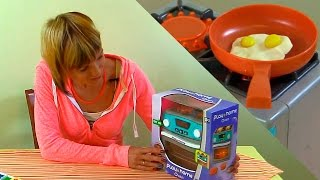 Видео для Детей -  Готовим Вместе - Игрушечная кухня, Пластилин и полезный завтрак(Передачи, видео и мультфильмы для детей бывают разные: познавательные, развлекательные, развивающие......, 2014-08-25T13:37:24.000Z)