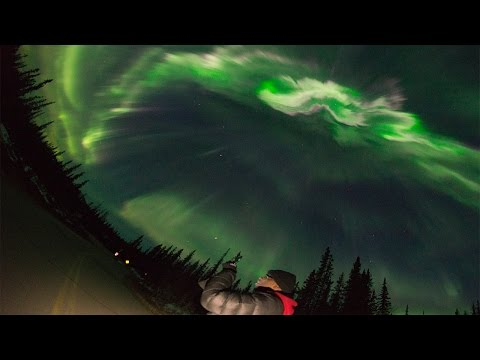 The sound of Aurora Borealis-- Real time video!