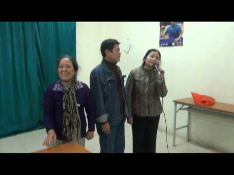 Nghệ sĩ ưu tú Kiều Hưng với CLB Đàn và hát dân ca Đài Tiếng nói Việt Nam.mpg