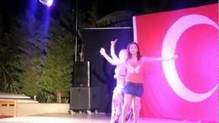 Live Turkish belly dancing Performance (Türk oryantal dans)