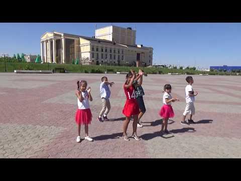 DESPACITO - Luis Fonsi (ft. Daddy Yankee)dance video | Kids dance | (Kazakh dance video)