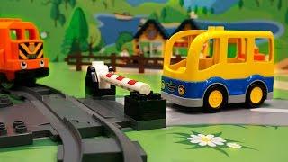 Машинки в ЛЕГО мультике - Как хорошо быть нужным. Школьный автобус. Паровозик. Полицейская машинка.