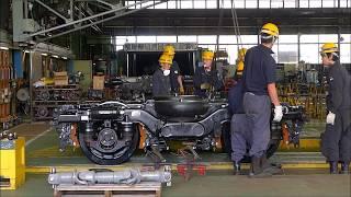 【JR北海道 苗穂工場】キハ183系用台車への車軸車輪組込作業 Installation work of axles and wheels to bogie in Japan.