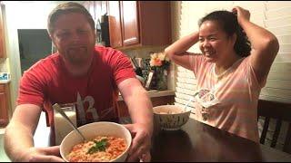 Vợ chồng cùng nhau nấu món pasta yêu thích của anh xã - Dùng cà chua tự trồng tại nhà để nấu sốt