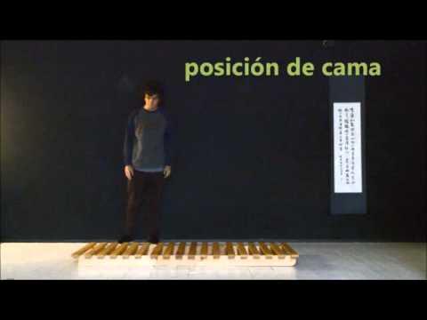 Sofa cama convertible modelo plegable estructura haiku futon youtube - Haiku futon ...