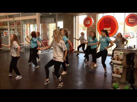 Edinburgh College Dance students stop shoppers in their tracks