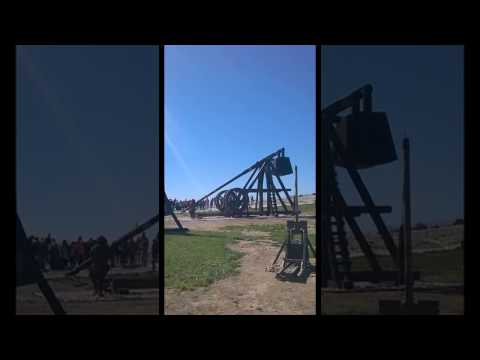 Trebuchet firing 90kg projectile over 300 meters with ease