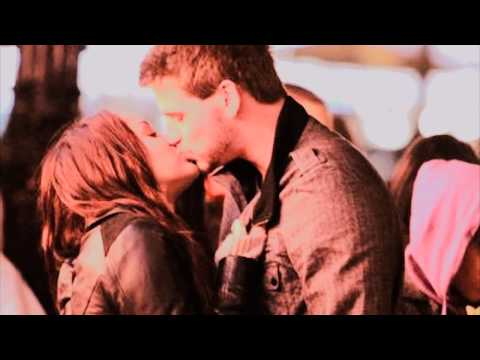 were miley cyrus and liam hemsworth dating before the last song