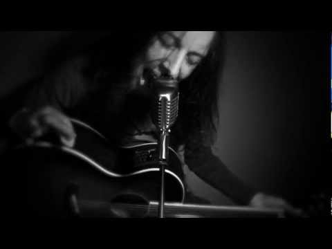 Mr. Brownstone (acoustic cover by Leo Moracchioli)