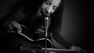 Mr. Brownstone (acoustic cover by Leo Moracchioli)